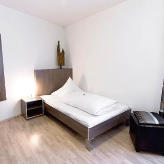 othello-hotel-zimmer-einzelbett-02